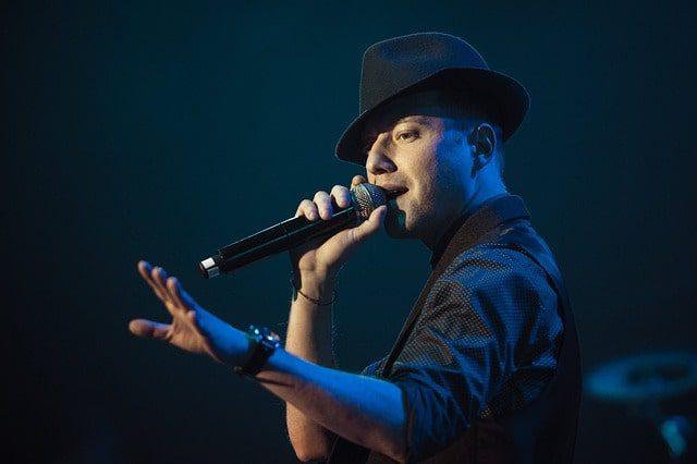 اجرای زنده