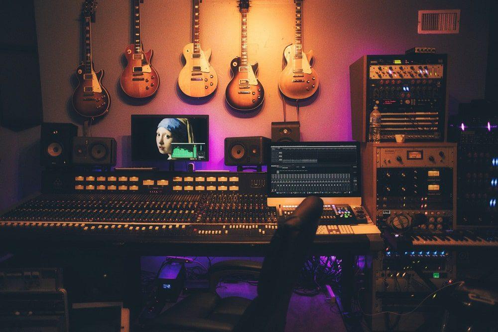 فرق استودیو خانگی و استودیو حرفهای