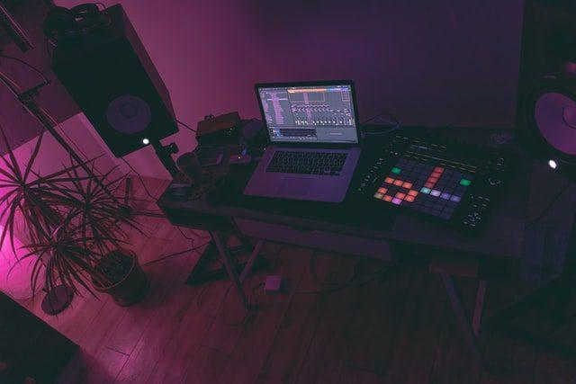 لپ تاپ استودیو